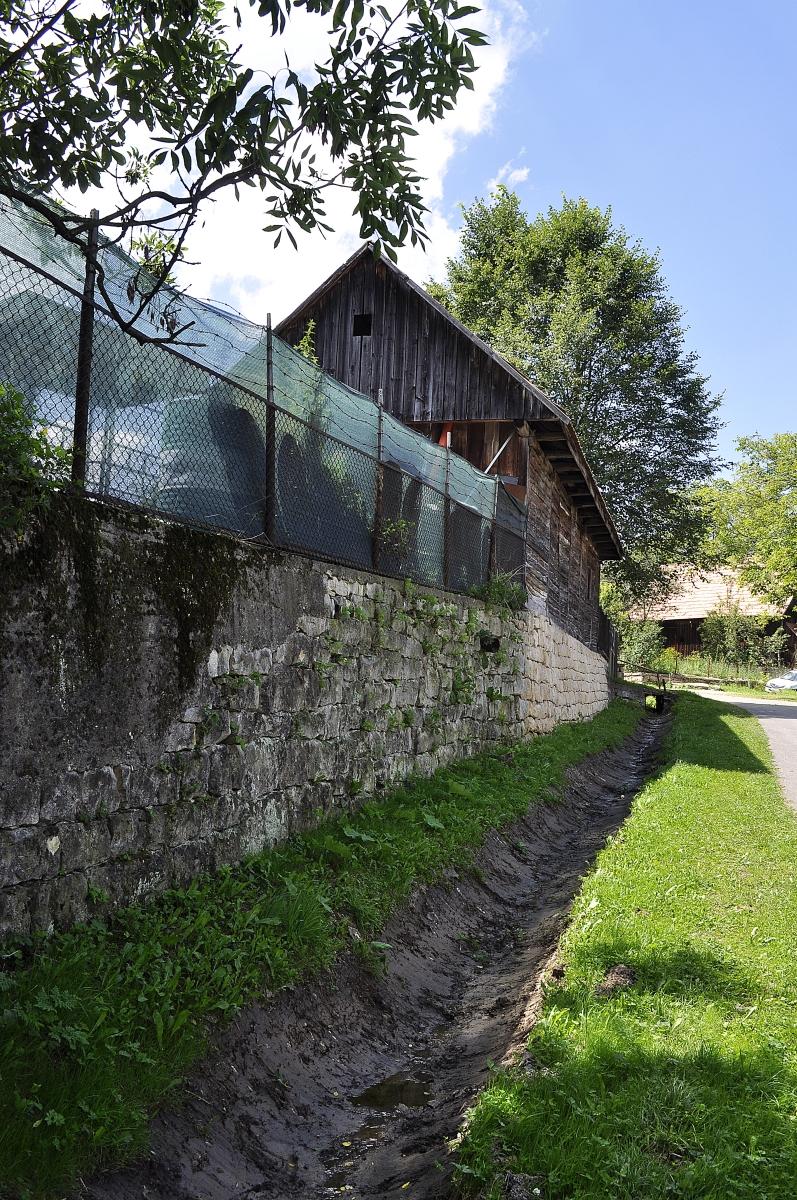 Decolmatarea santurilor Ardeova, Manastireni