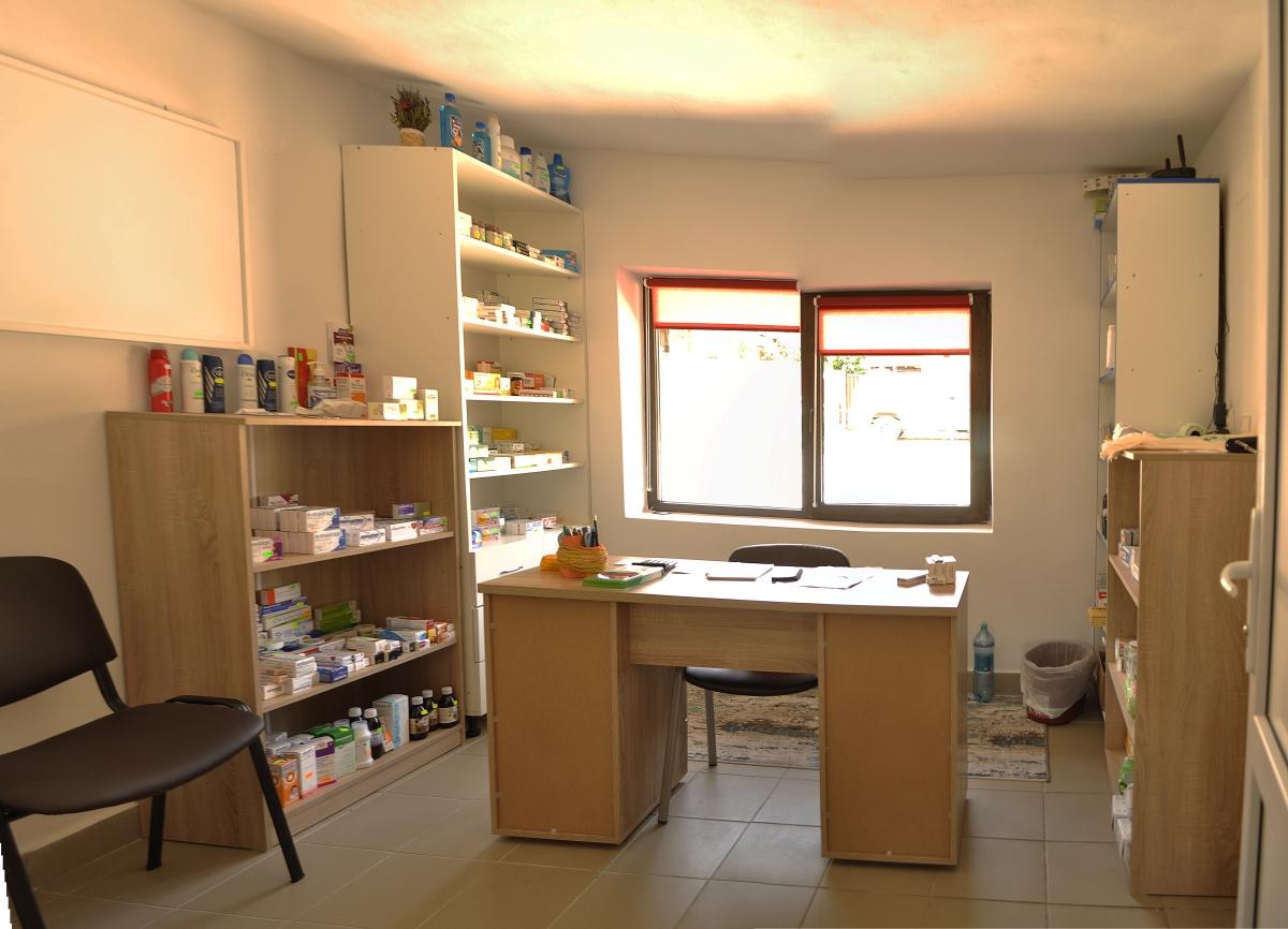 Farmacie Bedeciu, Manastireni